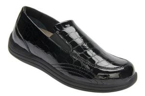 Image Source - http://www.diabeticshoeshub.com/drew-shoes-womens-violet-black-croc/